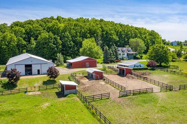 Condos Ranch & Farm Homes